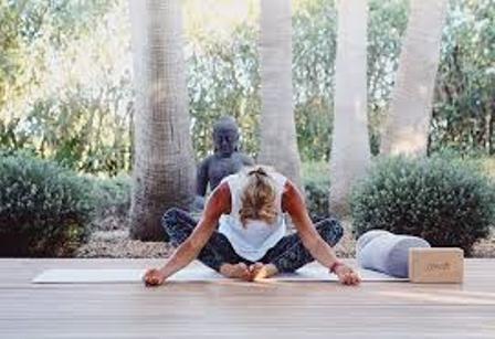 Yoga drop in – utomhus vid älven 8, 15, och 22 juni (inomhus vid dåligt väder)